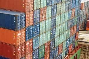contenedores en el buque