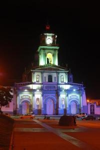 Iglesia vista de noche