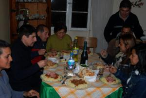 cenando en familia