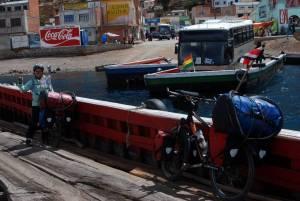 cruzando el Titicaca en Lancha