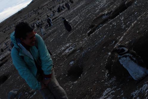 Lau hablando con los Pingüinos