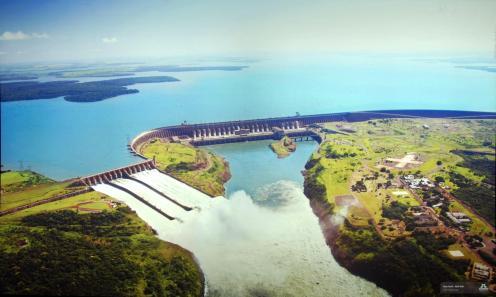 Vista Aerea de la represa de Itaipu-foto de la galería de documentación de la represa