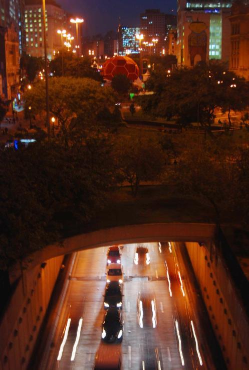 un balón sobre Sao Paulo