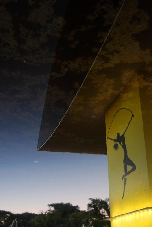 MUSEO DE OSCAR NIEMEYER -MON-