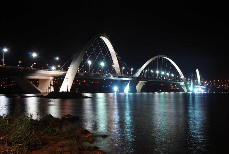Puente Juscelino Kubitschek