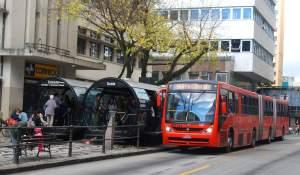 transporte público en Curitiba