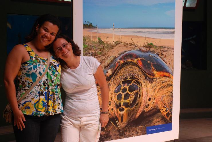María Luzia y Aline, biólogas de profesión y corazón