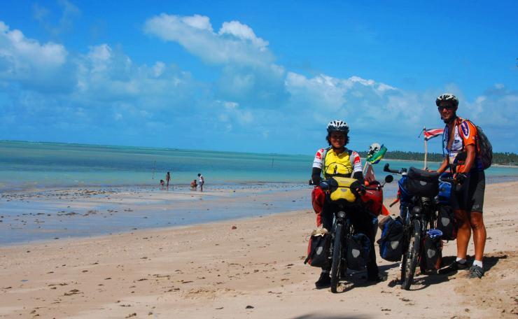 seguimos camino por la playa