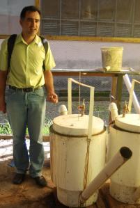 Vicente Santos y su proyecto de biogas
