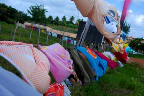 cientos de metros de ropa