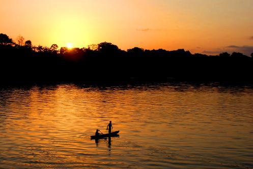 atardecer en el Amazonas