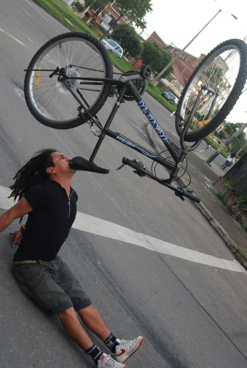 Johnny el ciclomalabarista