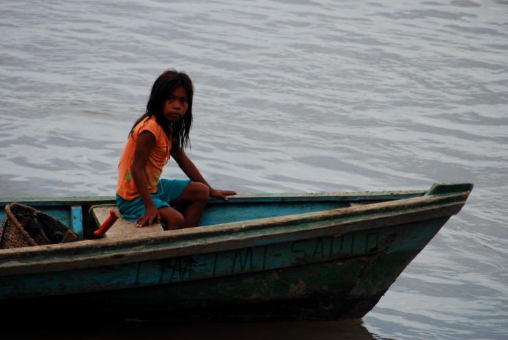 ... las largas distancias en canoa...