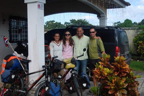 Con Ivannia y José