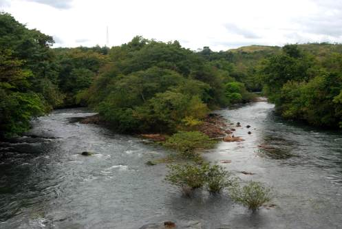 ríos crecidos por las lluvias