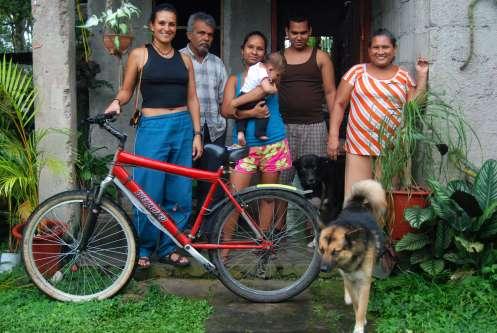 Familia Sánchez Ruiz, de Paso Canoas